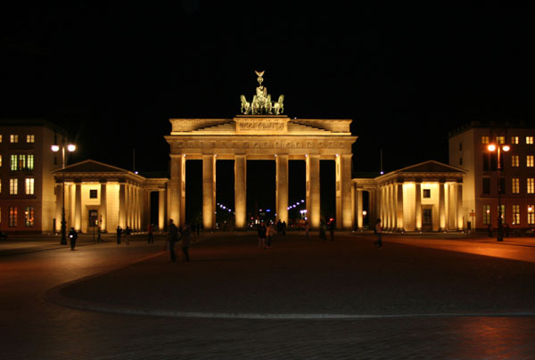 Brandenburg Gate night scene