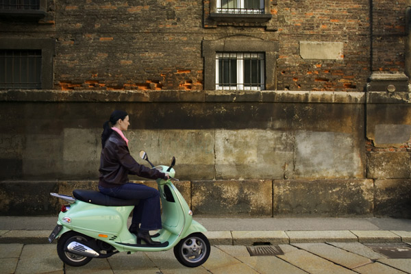 Explore the cities by Vespa