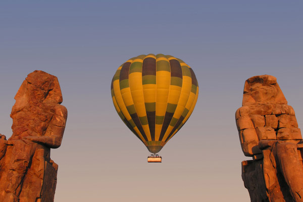 Ballooning over the Colossus of Memnon
